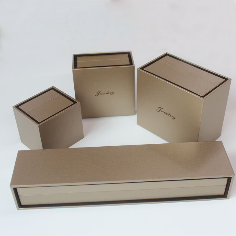 Alta qualità con Flannelette Box Jewelry Gift Packaging Box
